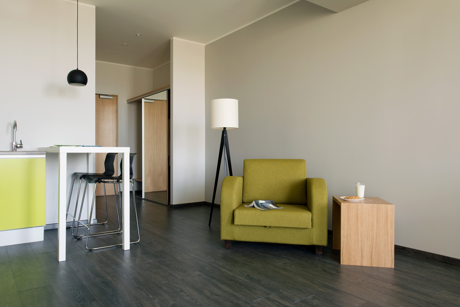 Average family room - Family Room Bathrooms Also Differ From The Other Bathrooms Both Because Of Their Spaciousness And Colours Used The Average Bathroom Size Is 5 M